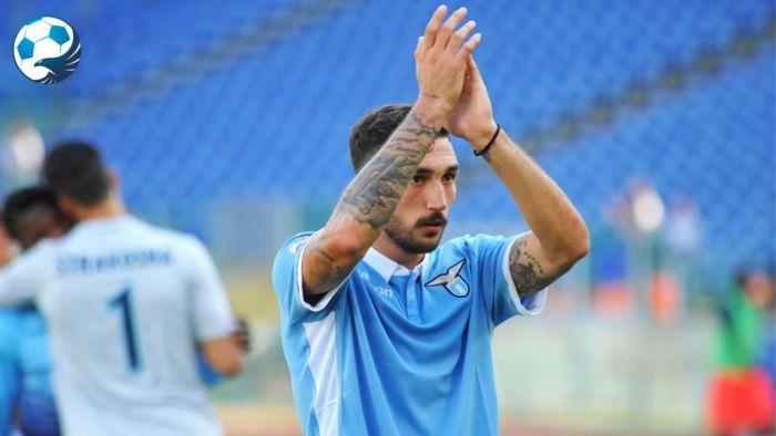 Danilo Cataldi con la maglia della Lazio
