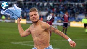 Immobile esulta dopo il gol al Crotone