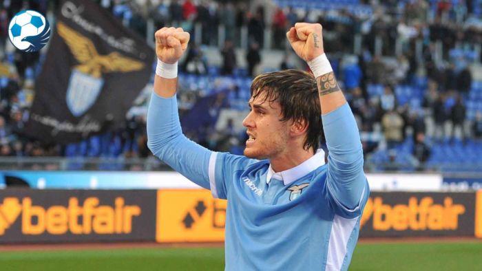 Patric esulta con la maglia della Lazio