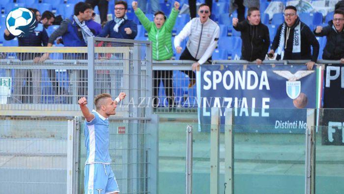 Immobile esulta sotto i tifosi della Lazio