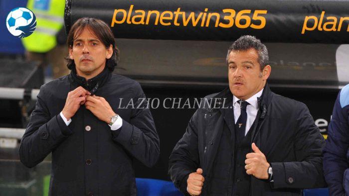 Il tecnico della Lazio Simone Inzaghi e il suo vice Farris